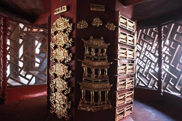 Bảo vật gần 300 năm tuổi, cao 9 tầng ở Bắc Ninh