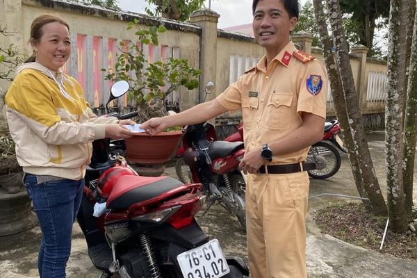 Bất ngờ được nhận lại xe máy bị mất trộm 7 năm trước