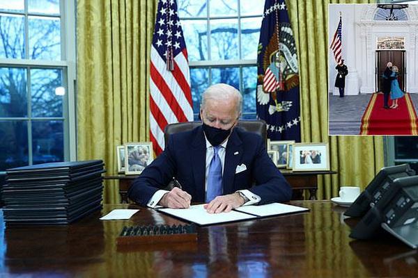 Thư của ông Trump viết gì khi để lại lời nhắn cho ông Biden?