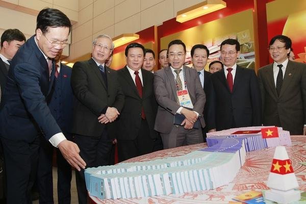 Lãnh đạo Đảng, Nhà nước dự Lễ khai trương trung tâm báo chí phục vụ Đại hội Đảng XIII