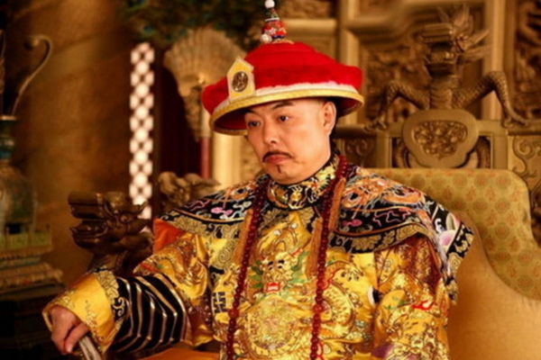 """""""Căn bệnh thần kinh truyền kiếp"""" đeo bám các đời Hoàng đế Trung Hoa"""