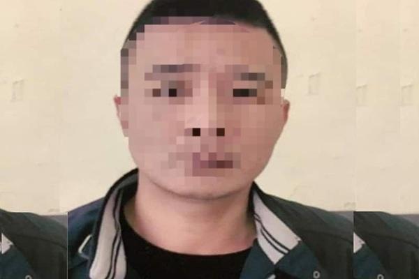 Con trai bị bắt giam vì dùng bình gas uy hiếp, cưỡng đoạt tiền của cha