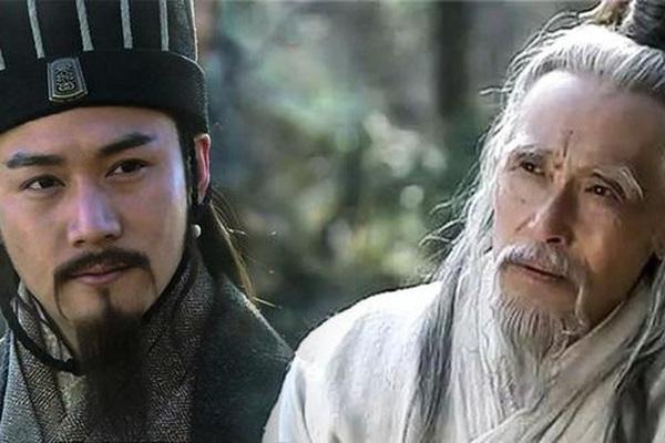 Thủy Kính tiên sinh tiến cử Khổng Minh cho Lưu Bị, tại sao không phải là Tư Mã Ý?