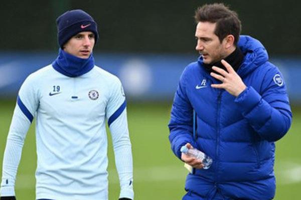 """4 cầu thủ Chelsea """"đổi đời"""" nhờ HLV Frank Lampard"""