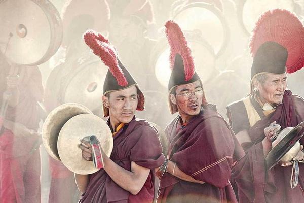 Lạ lùng bộ tộc có anh em một nhà lấy chung vợ ở Tây Tạng