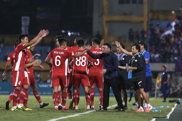 """HLV Trương Việt Hoàng: """"Viettel FC không chỉ đá vì mình""""..."""