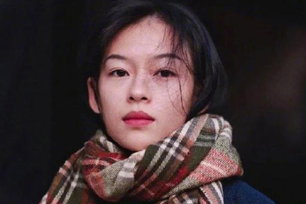 Mẫu ảnh người Việt gây sốt vì quá giống hoa đán Chương Tử Di