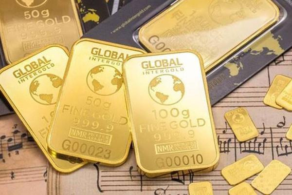 """Đồng USD bất ngờ """"trỗi dậy"""", giá vàng thế giới lao dốc, trong nước vẫn chênh tới 5 triệu/lượng"""