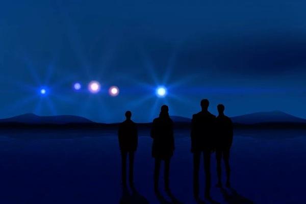 Phi công máy bay chở khách phát hiện UFO trên bầu trời