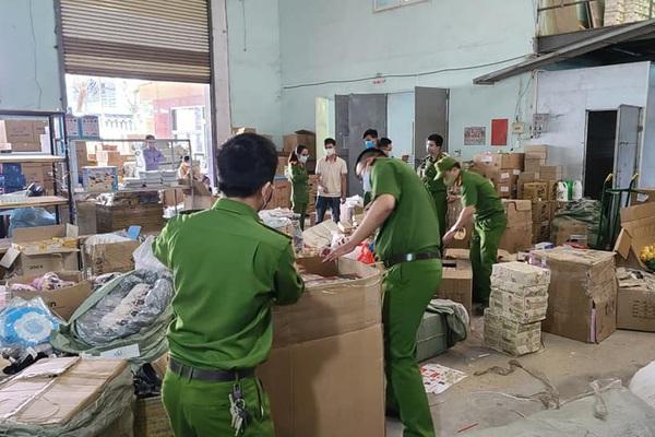Đà Nẵng: Phát hiện kho hàng lớn không có hóa đơn, chứng từ