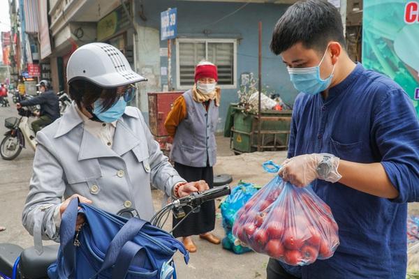 """Hơn 4 tấn nông sản ở Mê Linh được người dân Hà Nội """"giải cứu"""""""