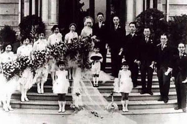 Nhà ngoại giao trải qua 4 đời vợ tuyệt sắc chỉ để đổi lấy 1 lần tri kỷ lúc cuối đời