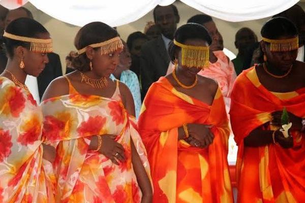 Bộ tộc Banyankole có cách kiểm tra sự trong trắng của chú rể khiến nhiều người mong ước