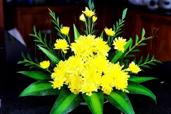 5 loại hoa cúng Rằm tháng Giêng hút tài lộc, may mắn