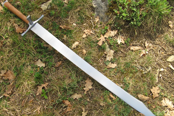 """Messer: Thứ vũ khí đáng sợ nhưng có cái tên """"lạ đời"""" của người Đức"""