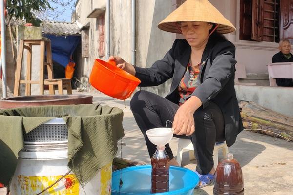 Clip: Mục sở thị bí kíp làm ra loại nước mắm vang danh Hà Tĩnh