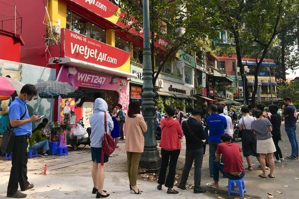 Giá vé bay Vietnam Airlines, Vietjet, Bamboo Airways giảm sốc sau Tết: Vì sao khách vẫn không ham?