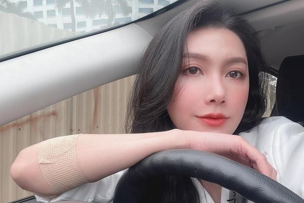 """MC Minh Hà của VTV bất ngờ gặp """"sự cố"""" khó quên khi đi hiến máu lần thứ 13"""