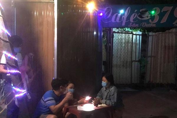Vào quán cà phê chòi để nhân viên quán 'thư giãn', người đàn ông bất ngờ tím tái, tử vong