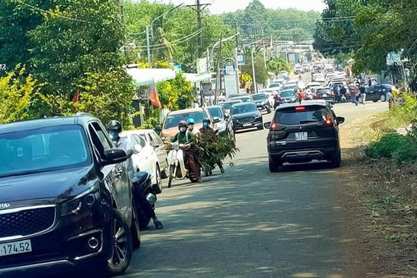 """Giá đất Bình Phước tăng bất thường: Cò đất về """"lướt sóng, lướt ván"""", náo loạn một vùng quê"""