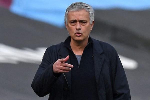 Tottenham đè bẹp Burnley, HLV Mourinho kiêu hãnh nhắc đến điều gì?