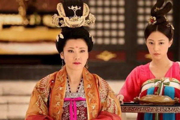 Vị Hoàng hậu tham vọng, nuôi mộng thành Võ Tắc Thiên thứ hai và lời tiên tri rợn người