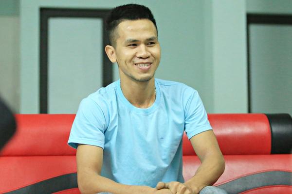 """Văn phòng Chính phủ trao Bằng khen cho """"người hùng"""" Nguyễn Ngọc Mạnh có hành động cứu em bé rơi từ tầng 13"""