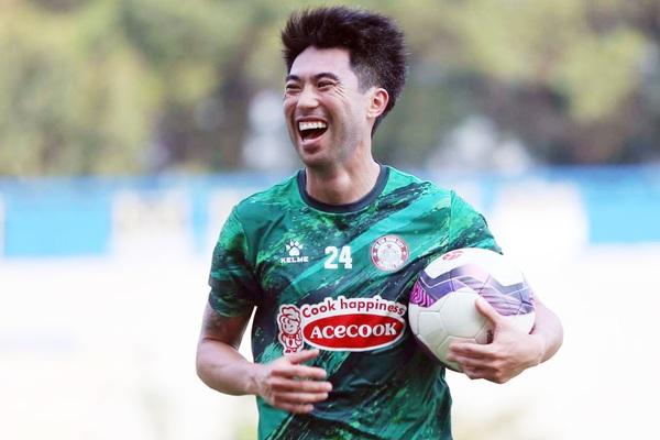 """Tin sáng (3/3): Bỏ qua mâu thuẫn với HAGL, Lee Nguyễn không """"đánh dấu đỏ"""" HAGL?"""