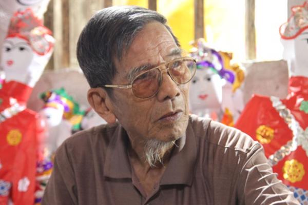 Chuyện Trần Hạnh dù nghèo khó vẫn tặng cát-xê bằng cả tháng lương cho Hoa Thúy