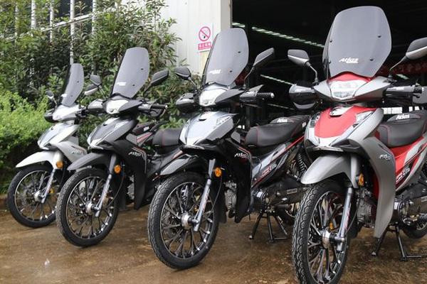 """Xe máy Trung Quốc nhái """"vua xe ga"""" Honda SH, giá cực sốc"""