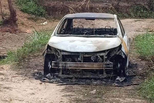 Quảng Ninh: Điều tra vụ chém người nhập viện, đốt xe ô tô cháy rụi