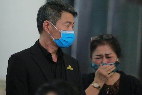 Ảnh: Gia quyến bật khóc, Công Lý và Trung Hiếu cùng nhiều nghệ sĩ tới tiễn biệt NSND Trần Hạnh