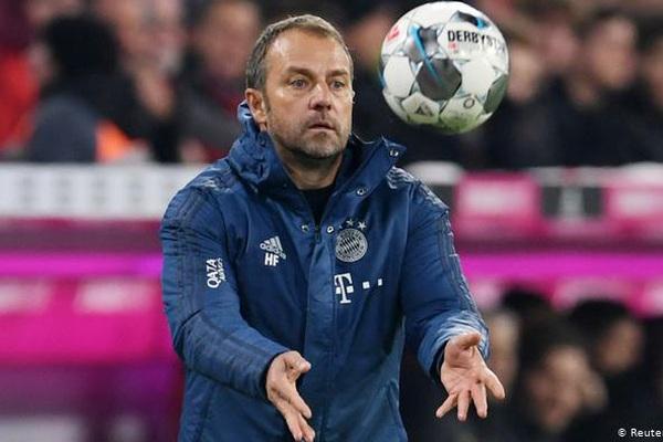 """Lewandowski """"lên thần"""", Bayern Munich ngược dòng vùi dập Dortmund"""