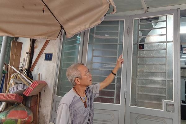 Hải Dương: Nghi vấn con rể nợ tiền, bố mẹ vợ bị khủng bố trong đêm bằng pháo nổ