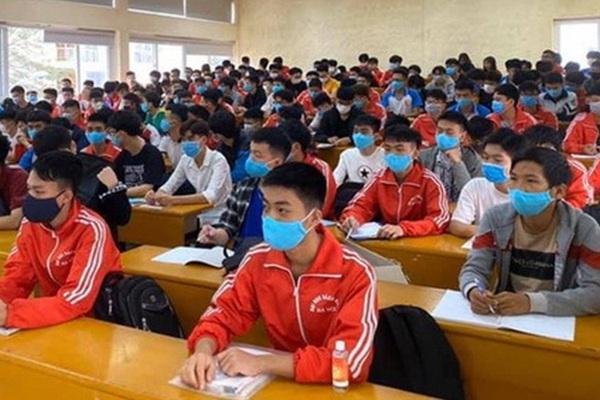 Kỷ luật nặng sinh viên khai báo y tế không trung thực