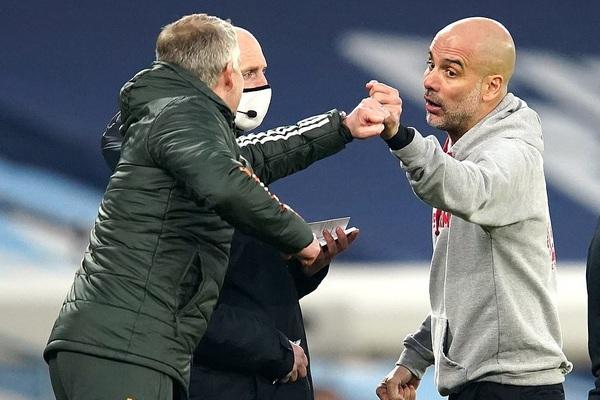 Man City gục ngã trước M.U, HLV Guardiola vẫn nói cứng