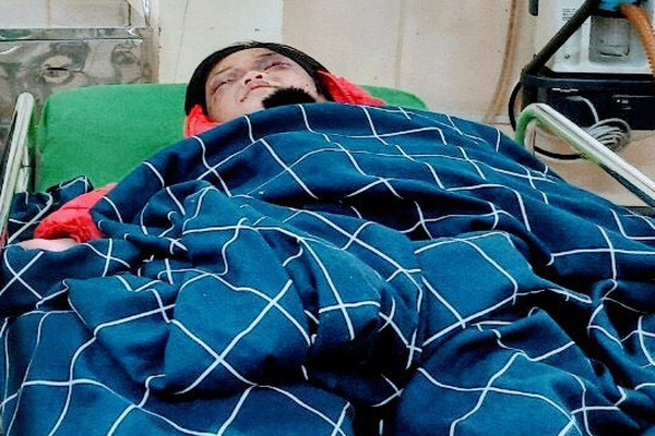 Hải Dương: Bé gái 6 tuổi bị mẹ đẻ bạo hành