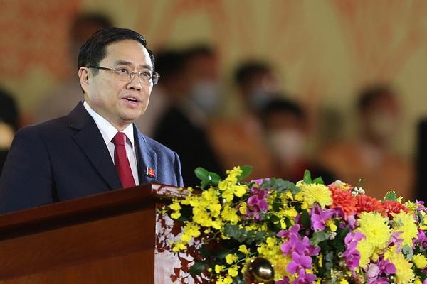 Trưởng Ban Tổ chức Trung ương đọc tờ trình về kiện toàn nhân sự lãnh đạo cấp cao