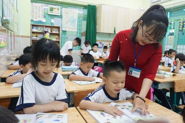 Chứng chỉ chức danh nghề nghiệp là gì mà giáo viên đôn đáo đi học và thi?