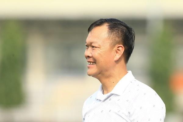 """HLV Dương Hồng Sơn nói gì khi ngồi """"ghế nóng"""" Quảng Nam FC?"""