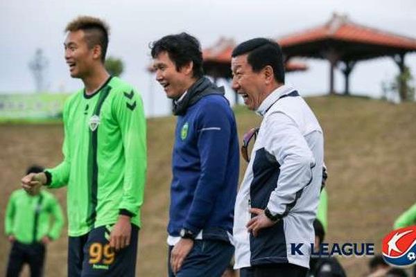 Tân HLV Hàn Quốc dẫn dắt Hà Nội FC: Từng dẫn dắt... ĐT Guam