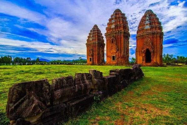 Bí ẩn 14 ngôi tháp cổ Việt Nam: Dấu vết một nền văn minh huy hoàng