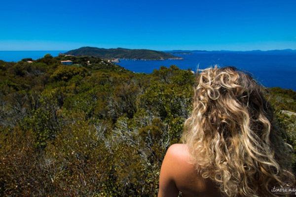 Đảo duy nhất của châu Âu cấm du khách mặc quần áo trên các bãi biển