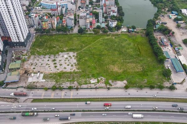 Hà Nội: Bến xe trăm tỷ bị bỏ hoang thành bãi đất trống sau 5 năm khởi công