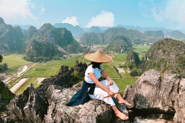 Du lịch Ninh Bình: Hang Múa thu trọn vẹn đất trời kỳ vĩ trong tầm mắt