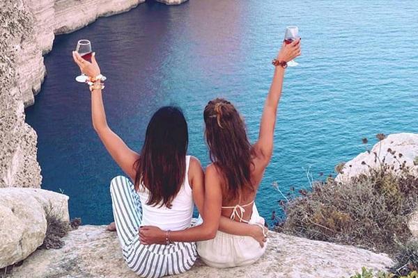Du lịch mùa hè: Từ ngày 1/6 du khách sẽ được nhận 100 Euro nếu ở khách sạn tại quốc gia Châu Âu này
