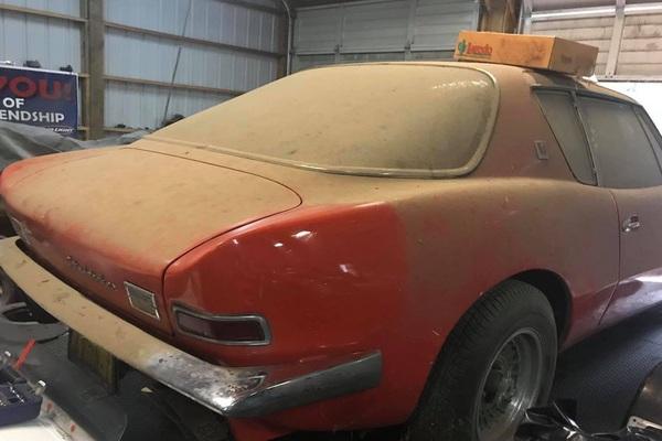 Xe du lịch cổ của Mỹ Studebaker Avanti từng phá vỡ 29 kỷ lục tốc độ, rao bán 9.999 đô