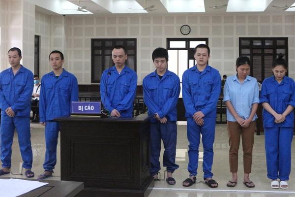 """Hơn 30 năm tù cho nhóm đối tượng tổ chức đưa 14 người Trung Quốc nhập cảnh lậu, ở """"chui"""" tại khách sạn"""
