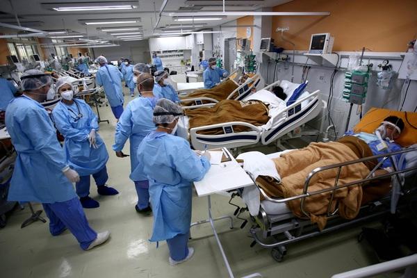 Brazil khuyến cáo phụ nữ không nên mang thai vào thời điểm này do lo ngại biến thể COVID-19 mới