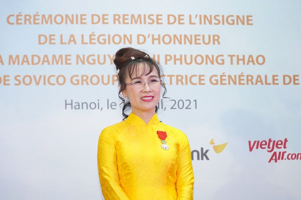 Nữ tỷ phú Nguyễn Thị Phương Thảo dành tặng Huân chương Bắc đẩu bội tinh cho 30.000 cán bộ nhân viên